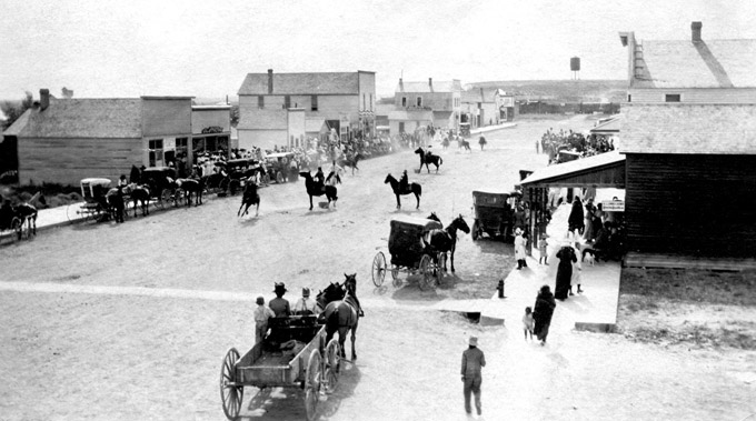 Early Riverton residents celebrate the town's sixth anniversary, 1912. Riverton Museum.