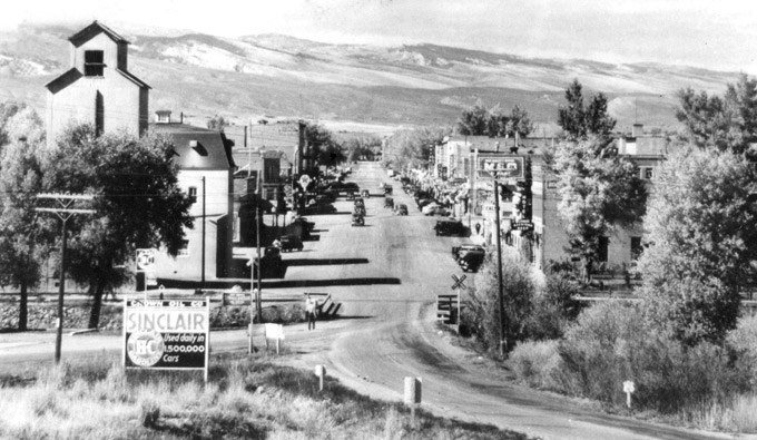 Main Street in Lander, looking west, 1940s. Riverton Museum.