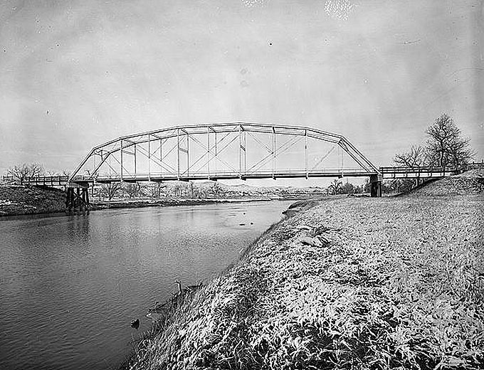 The Irigary Bridge over Powder River near Sussex, Wyo. about 20 miles downstream from Kaycee. Library of Congress photo.