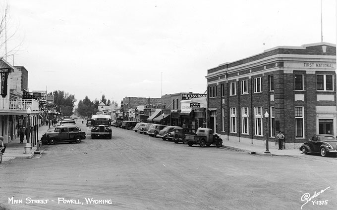Downtown Powell in 1942, looking north from the intersection of First and Bent streets. Homesteader Museum photo.