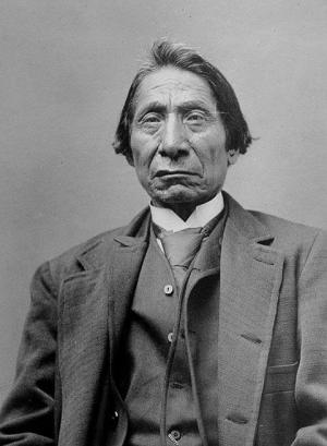 Red Cloud about 1890, 22 years after Lakota and Cheyenne warriors drove the U.S. Army out of the Powder River Basin. Firstpeople.us
