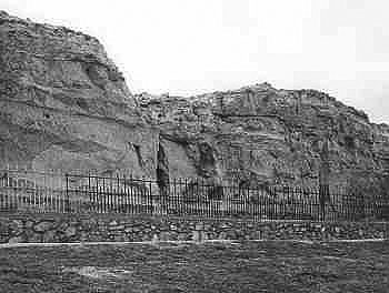 Register Cliff. Wyoming SHPO photo.