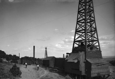 Atlantic and Pacific Oil Company Wells, Uinta County 1903. J.E. Stimson photo, Wyoming State Archives.