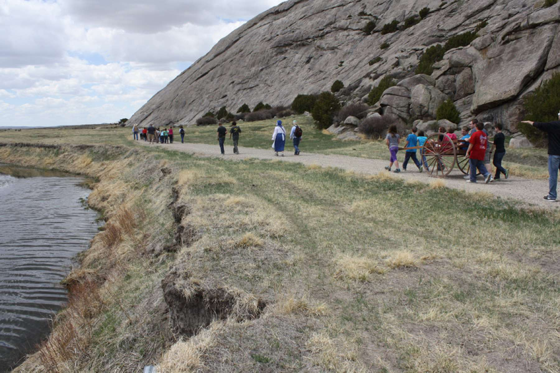 Fourth graders from Oregon Trail School in Casper, Wyo. hike toward ...