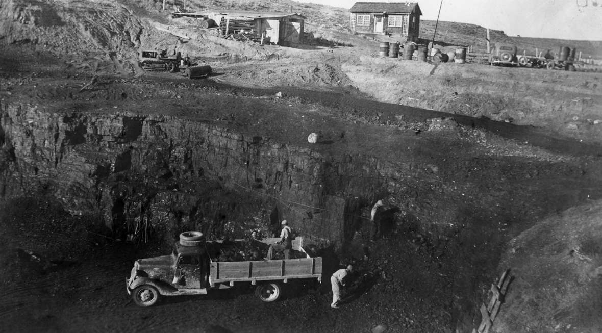 The East Antelope Coal Mine, shown here around 1950, supplied coal to schools, homes, and businesses in Gillette, Douglas and Newcastle decades before larger surface mines were dug in the Powder River Basin in the 1970s. Mining began with horses and scrapers and eventually used bulldozers, trucks and loaders. Rockpile Museum.