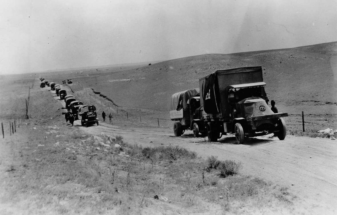 the transcontinental convoy entered wyoming east of cheyenne on the lincoln highway a dirt road that varied widely in quality on august 8 1919