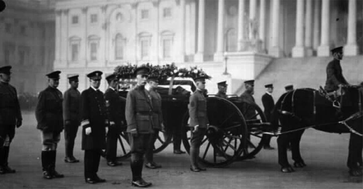Ceremony at the Tomb of the Unknown Soldier, Nov. 11, 1921. Wyoming Veterans Memorial Museum.