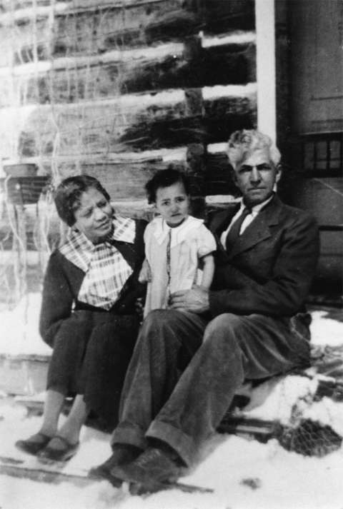 Esther and Lon Stepp with their granddaughter, Louise, ca. 1935. Stepp family photo.